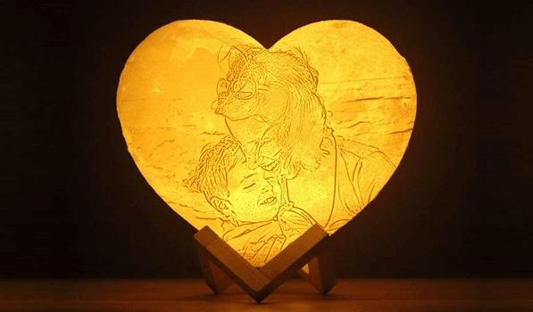 Heart-Shaped-Moon-Lamp