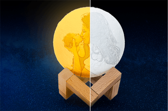 Day-and-Night-on-Custom-Moon-Lamp
